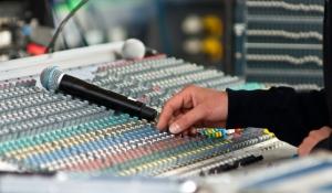 blue-spark-event-design-soundboard-audio-visual-general-session-sound