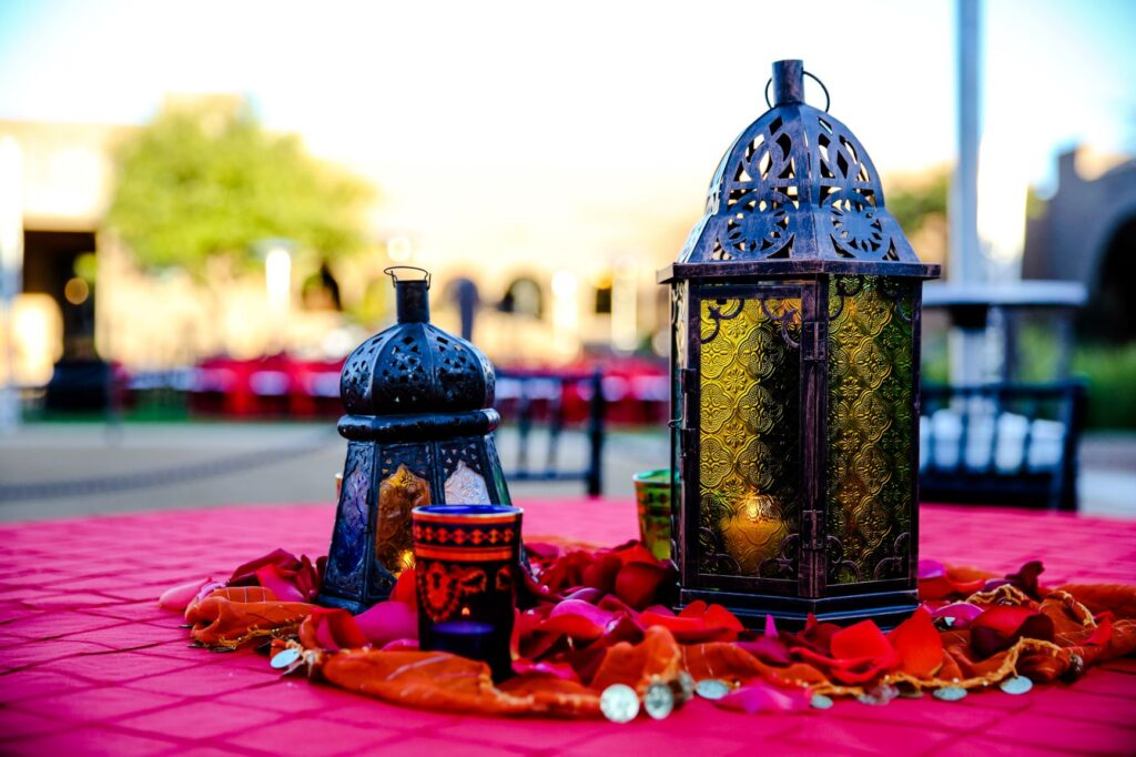 Los Cedros local experience red and pink Moroccan centerpiece